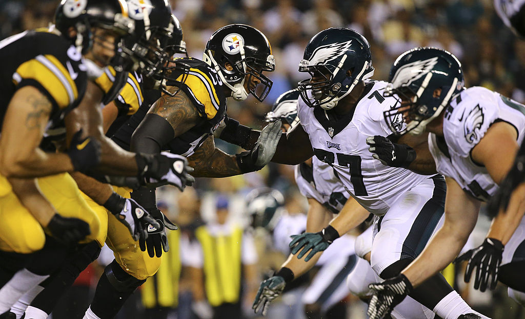 PHILADELPHIA, PA - AUGUST 21: The Pittsburgh Steelers offensive line attempts to block the Philadelphia Eagles defensive line in the third quarter on August 21, 2014 at Lincoln Financial Field in Philadelphia, Pennsylvania. (Photo by Al Bello/Getty Images)