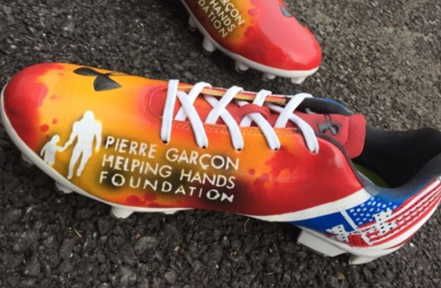 Pierre Garcon cleats