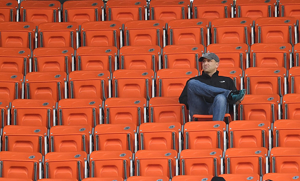 CLEVELAND, OH - NOVEMBER 27:  A Cleveland Browns watches the third quarter during the game against the New York Giants at FirstEnergy Stadium on November 27, 2016 in Cleveland, Ohio. (Photo by Jason Miller/Getty Images)