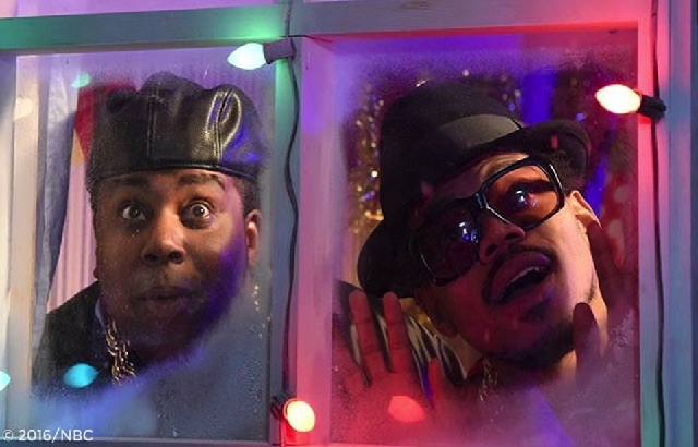Christmas Miracle Snl.Snl Recap Chance The Rapper Brings Cheer Casey Affleck