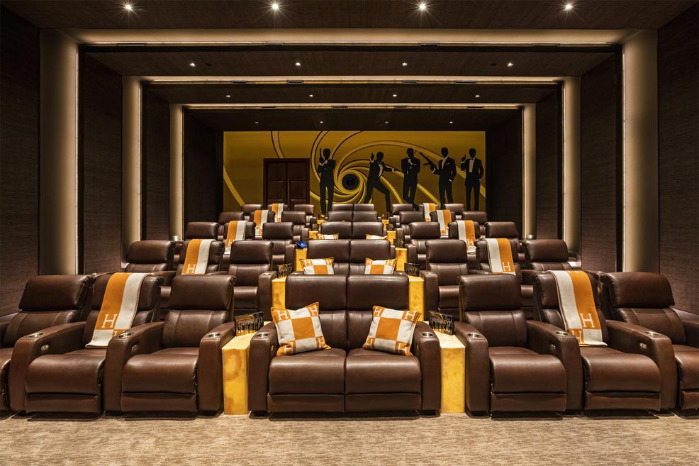 08.MovieTheater+