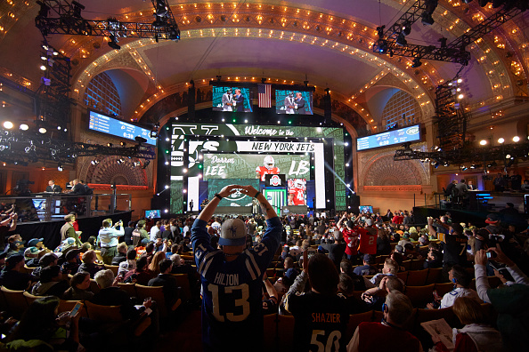 Football: NFL Draft: Overall view of stage as New York Jets linebacker and No 20 overall pick Darron Lee during selection process at Auditorium Theatre of Roosevelt University. Chicago, IL 4/28/2016 CREDIT: Tom Lynn (Photo by Tom Lynn /Sports Illustrated/Getty Images)