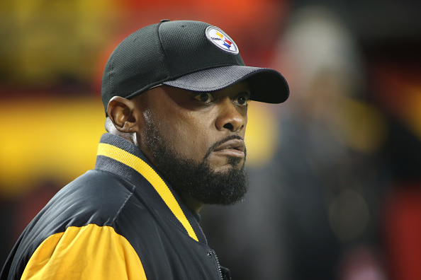 KANSAS CITY, MO - JANUARY 15:  Pittsburgh Steelers head coach Mike Tomlin before the AFC Divisional playoff game between the Pittsburgh Steelers and Kansas City Chiefs on January 15, 2017 at Arrowhead Stadium in Kansas City, MO.   (Photo by Scott Winters/Icon Sportswire via Getty Images)