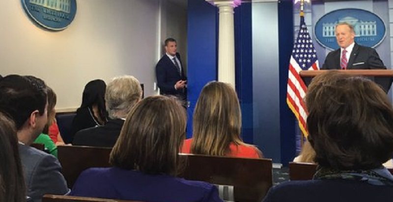 Rob Gronkowski Crashed Today S White House Press Briefing