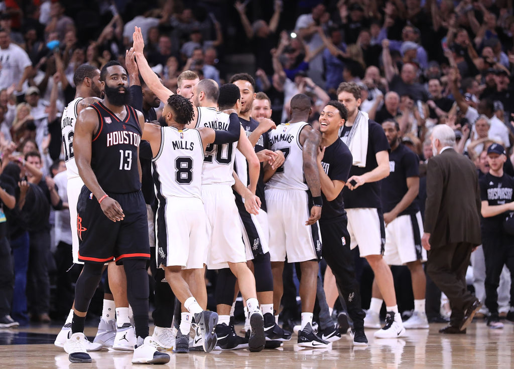61fb4ca5c648 Manu Ginobili s last-second block gave the Spurs a 3-2 lead over the Rockets