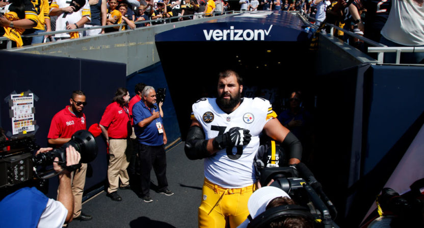 check out 0a6fd b2b99 After Steelers lineman Alejandro Villanueva stood solo for ...