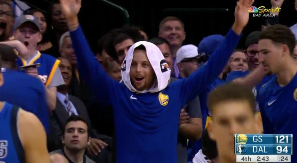 Steph Curry reacting to Jordan Bell's self alley-oop.