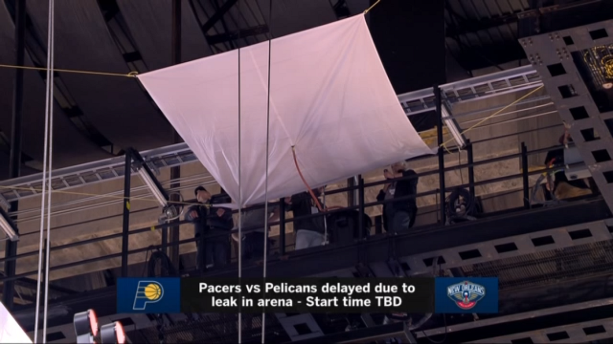 Smoothie King Center Employees Build Rain Bong In An