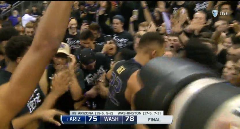 Washington won over No. 9 Arizona on this buzzer-beater Saturday.