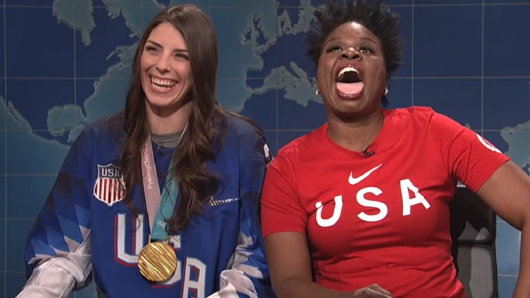 hilary-knight-leslie-jones-snl