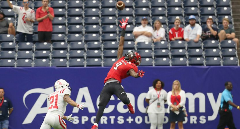 Texas Tech receiver T.J. Vasher with an incredible catch.