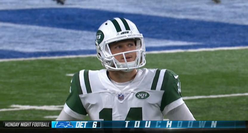 Jets QB Sam Darnold's first NFL play is a pick-six