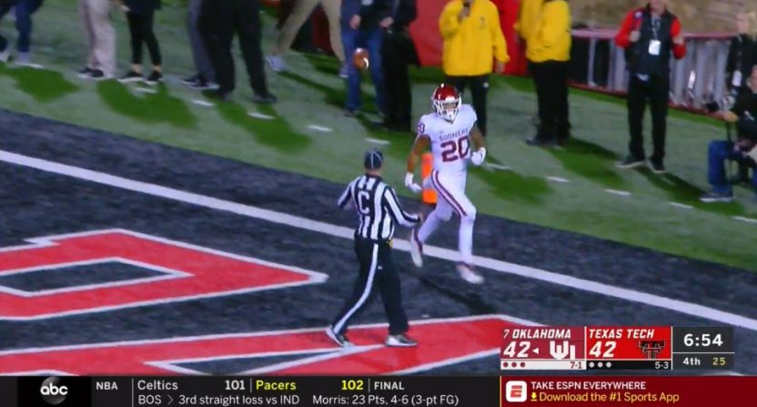 Texas Tech's 2-point conversion returned the other way confused even the scorebug.