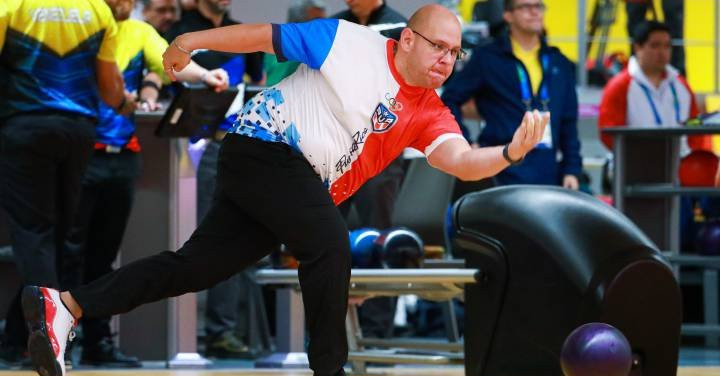 Bowling at the Pan Am Games saw a surprising result, with Puerto Rico stripped of gold in men's doubles after a positive doping test by Juan Perez Faure.