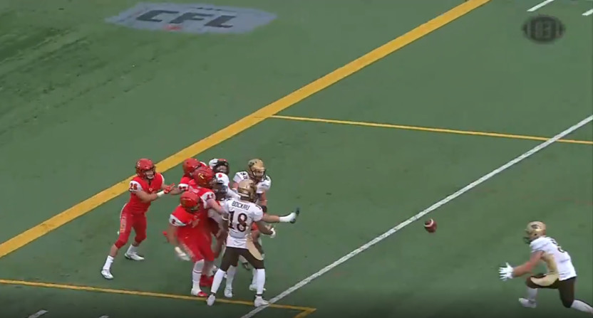 Manitoba Bisons' receiver Trysten Dyce made a great catch off a tip-drill Hail Mary.