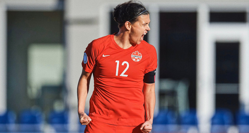 Christine Sinclair breaks Abby Wambach's record.