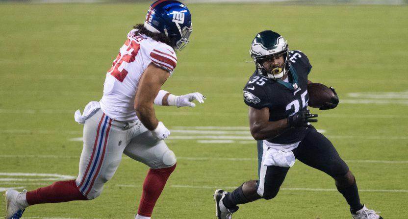 Eagles' RB Boston Scott running against the Giants.