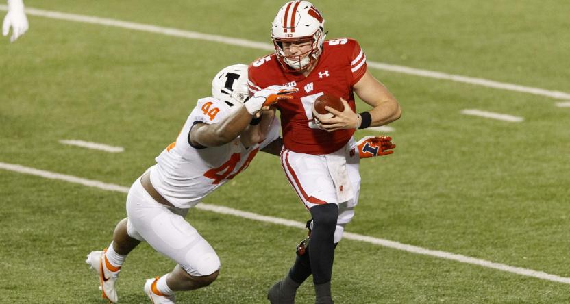 Graham Mertz running against Illinois.