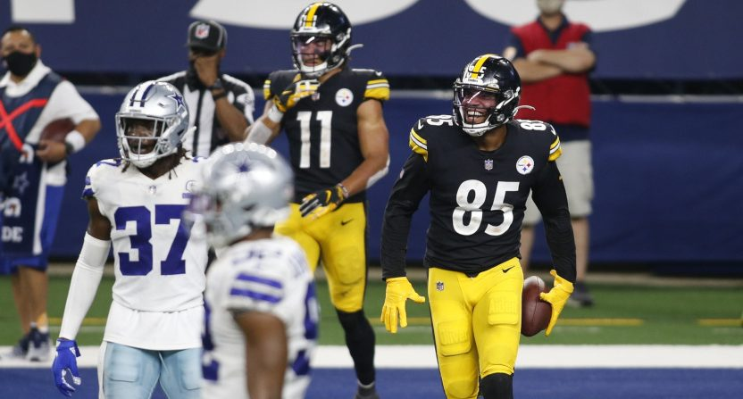 Eric Ebron and the Pittsburgh Steelers moved to 8-0 with a win over Dallas Sunday.