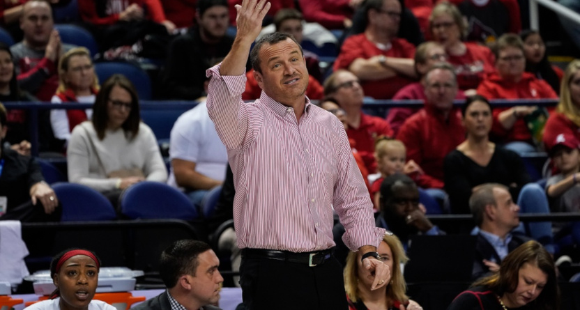 Jeff Walz coaching against Florida State on March 7, 2020.