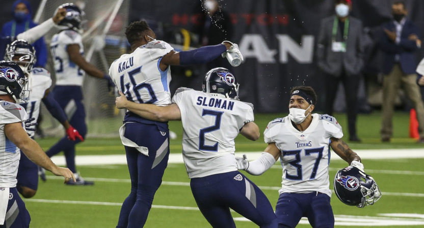 Sam Sloman and the Titans celebrate a field goal against the Texans.