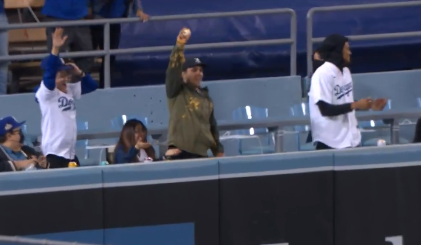 Justin Turner hits home run into fan's nachos, has new order of nachos delivered to the cheese-covered fan