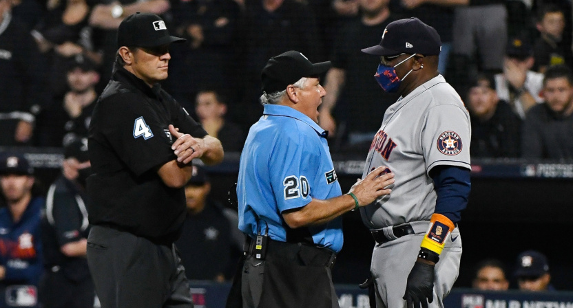 Astros' manager Dusty Baker complains about a call.