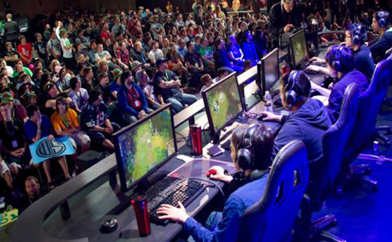 eSports League of Legends college