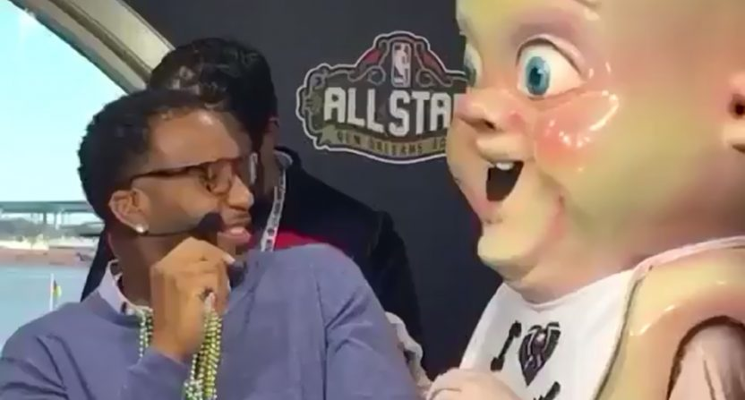 Pelicans Mascot King Cake Baby Creeps Out Tracy Mcgrady And