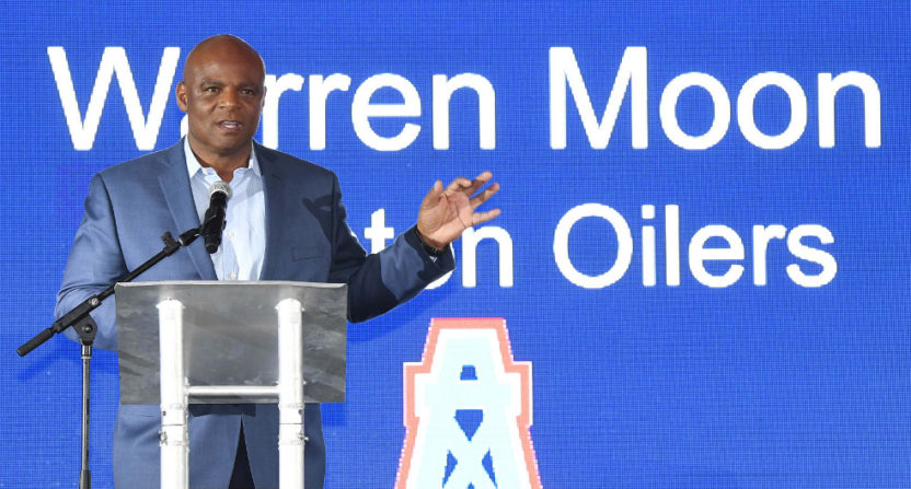 Warren Moon during agent Leigh Steinberg's 2017 Super Bowl party.