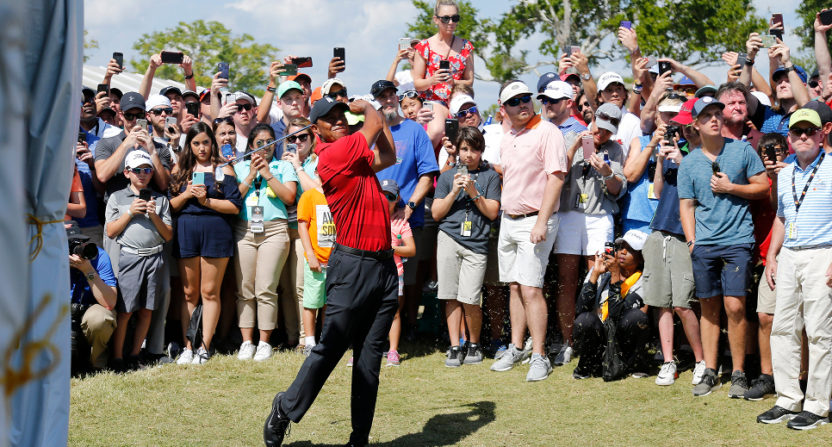 A crowd watched Tiger Woods at the Arnold Palmer Invitational Sunday.