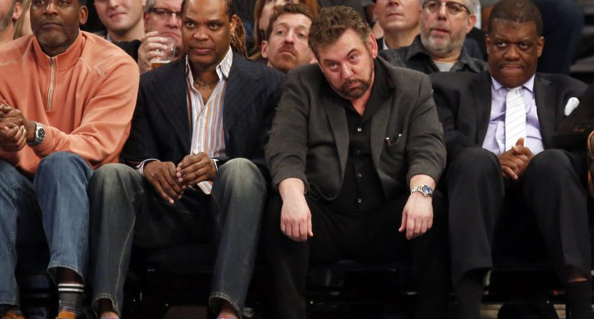 Larry Johnson, Latrell Sprewell, James Dolan and Bernard King watching the Knicks in Feb. 2017.