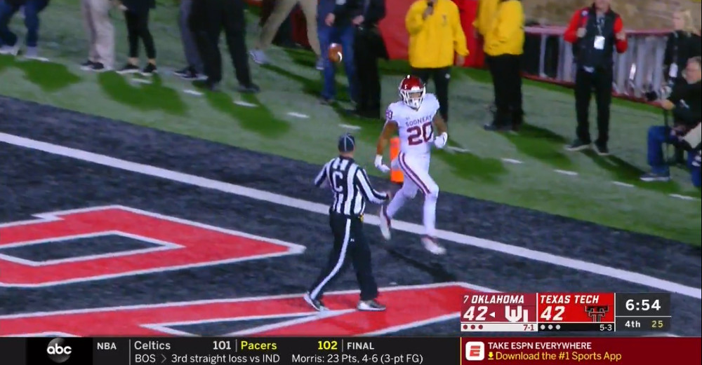 Texas Tech S Returned Two Point Convert Confused Even The Abc Scorebug