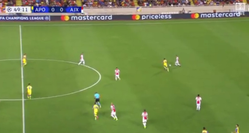A TNT feed of APOEL - Ajax lost commentator audio for several minutes Tuesday.