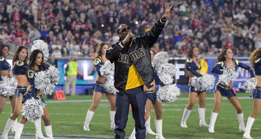 Snoop Dogg performing at a Rams game in 2018.