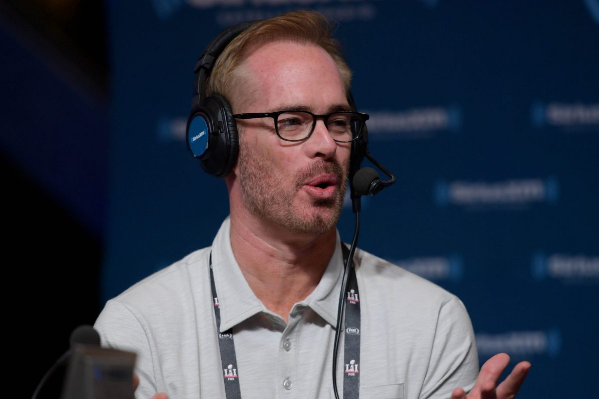 Fox announcer Joe Buck will guest host 'Jeopardy!' this summer