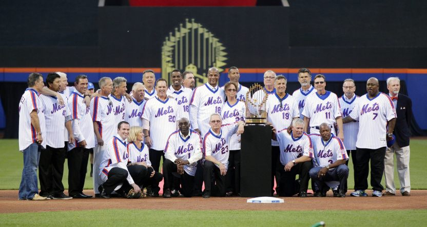 Members of the 1986 Mets at a 2016 ceremony.