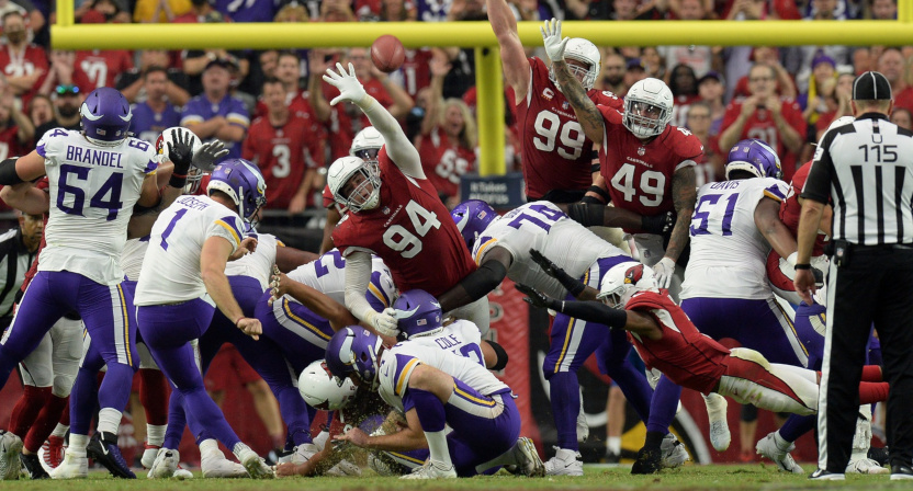 The Vikings missed this field goal to lose to the Cardinals.